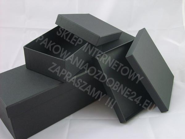 schwarze Geschenkkartonage